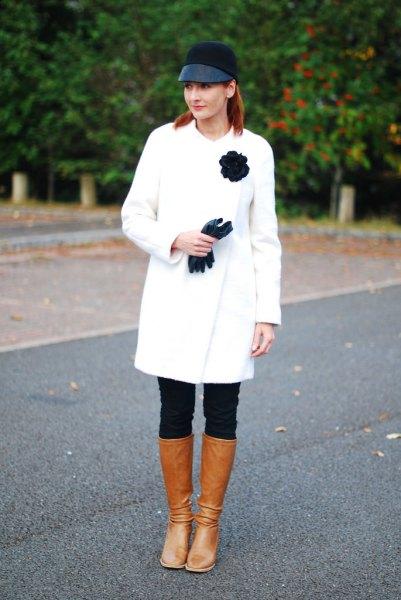 brunt läder knä höga stövlar ull kappa outfit