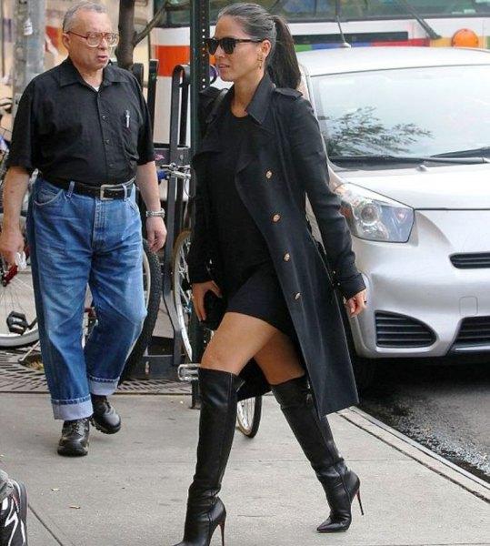 Hoodie klänning jeansjacka knä höga stövlar