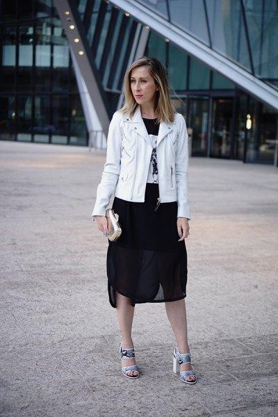 vit skinnjacka svart chiffong kjol