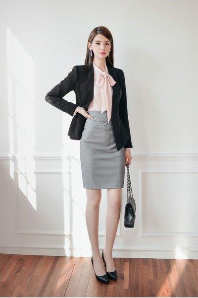 svart blazer grå penna kjol outfit