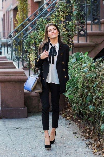 vit chiffong rosett blus svart blazer jeans