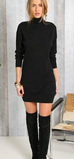 svart höghalsad tröja klänning lårhöga stövlar