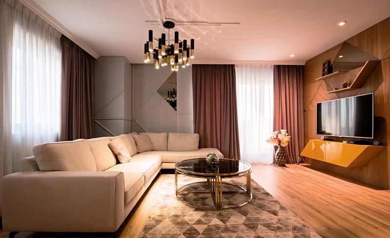 En elegant lägenhet i modern stil / kreativ interiör