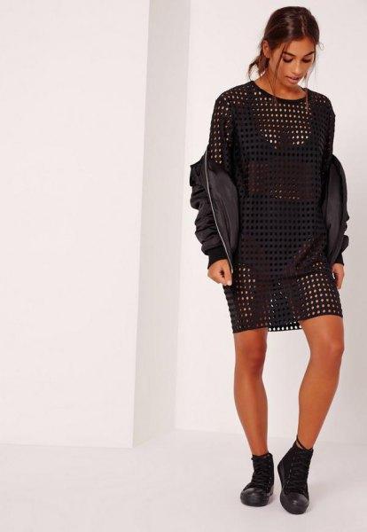 svart, halvtransparent, överdimensionerad läder-t-shirtklänning med bomberjacka i läder