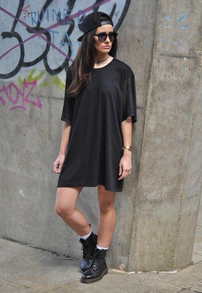 svart oversized baseball cap t-shirt klänning