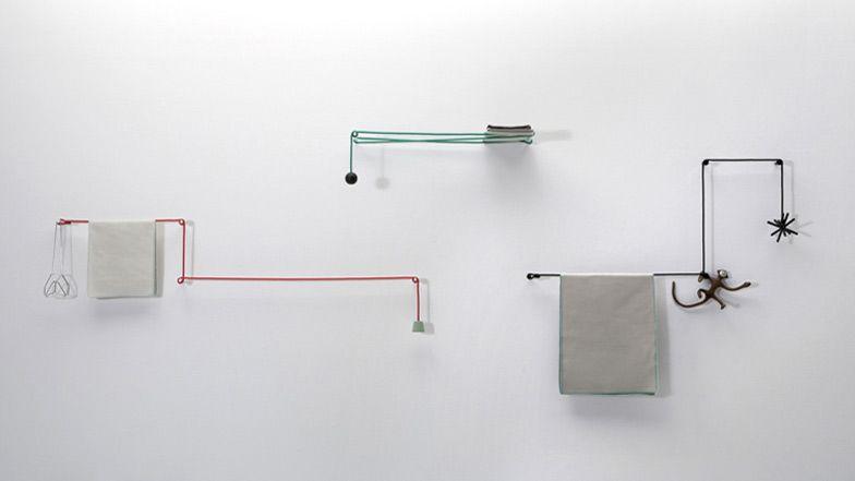 Denna handduksstång av den japanska designern Hioomi Tahara består av en.