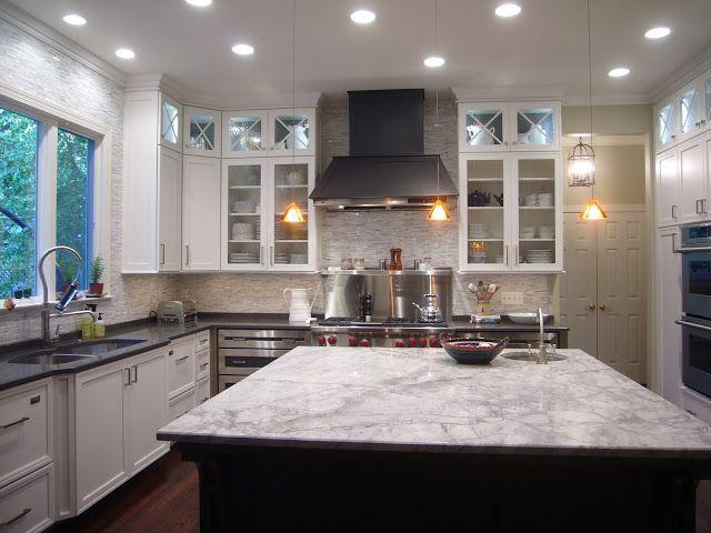 A Kitchen Makeover |  Bänkskivor i vit granit, Grått kök.