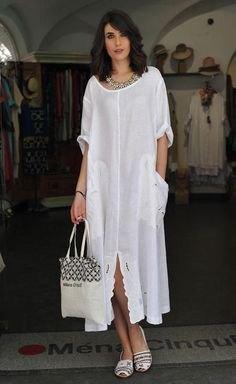 vit maxiklänningskjortklänning med båthals