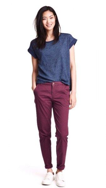 lila t-shirt grå chinos outfit