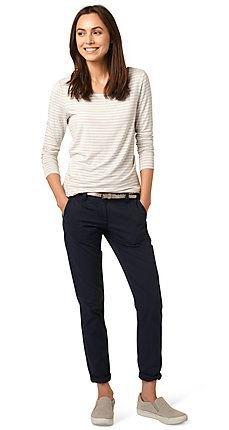 svart chino vit ljusgrå randig t-shirt