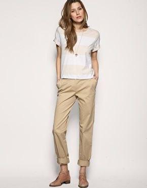bred randig t-shirt beige chinos