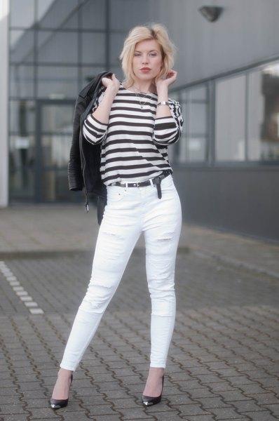 svarta och vita randiga långärmade T-jeans