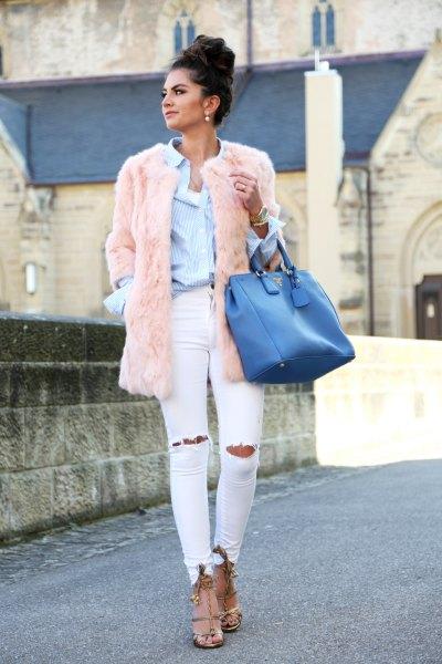 blå skjorta rosa fuskpäls