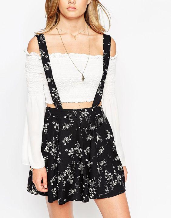 Blommig stram kjol