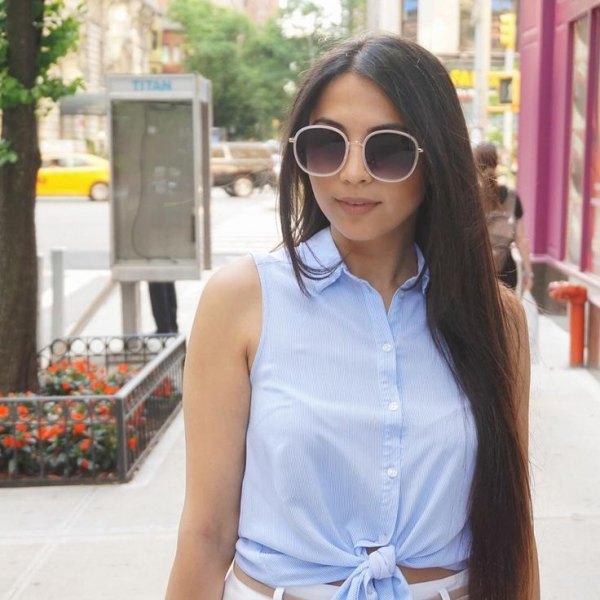 knuten vit skjorta vita smala jeans med hög midja