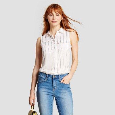 vit och grå randig skjorta blå tvättade jeans