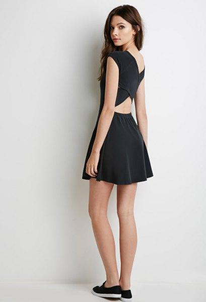 svart krater cross skater klänning