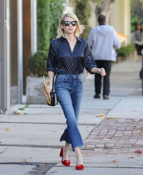 svarta prickiga skjorta flared jeans