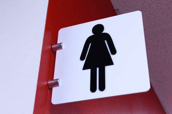 Ladies Bathroom Sign Modern Designer Olika storlekar vit    Et