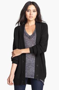 svart kofta överdimensionerad grå stickad tröja med V-ringning