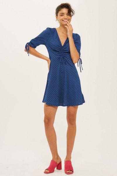blå prickiga skater klänning