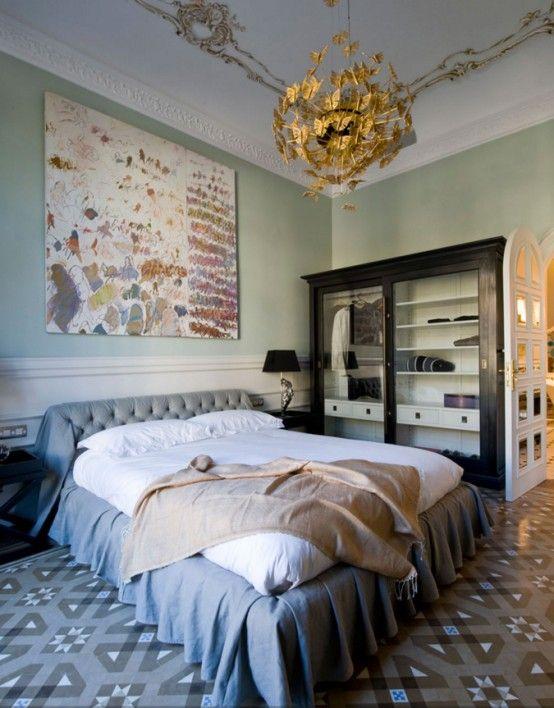 Elegant och fridfull kvinnlig sovrumsdesign    Lyxigt sovrum.