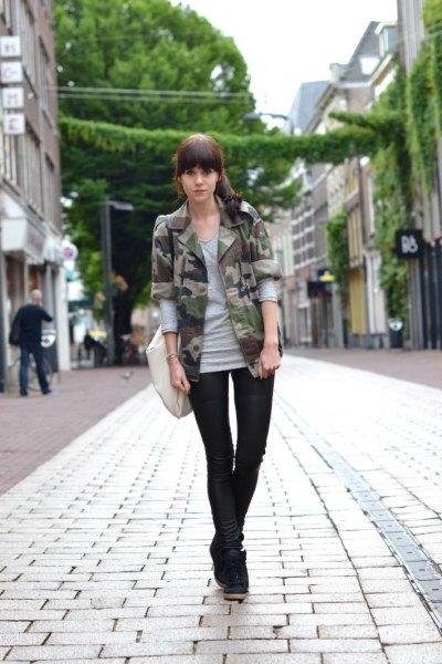 grå långärmad t-shirt kamouflage blazer