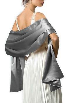 silver halsduk vit veckad chiffong maxiklänning