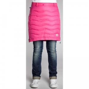 Rosa färgad dun kjol med gråblå jeans med manschetter