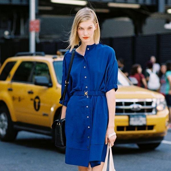 blå skjortklänning med bälte