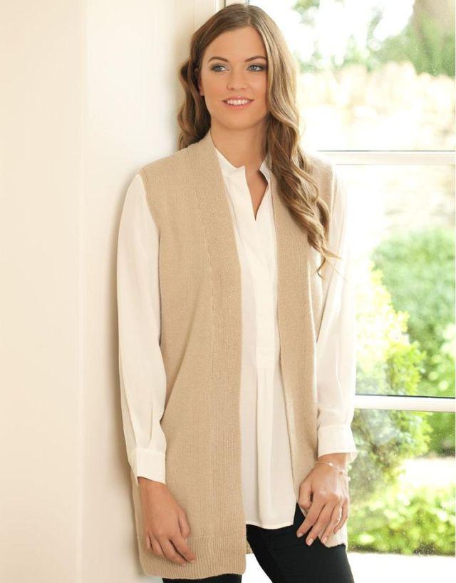 vit skjorta lång ärmlös cardigan outfit