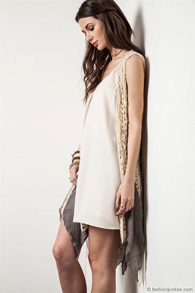 vit lång ärmlös kofta vit klänning