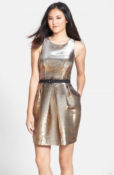 silver metallic veckad minitulpanklänning med bälte