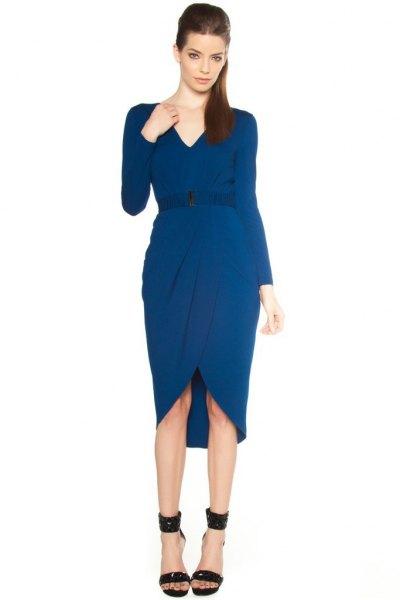 Mörkblå miditulpanklänning med V-ringning och bälte