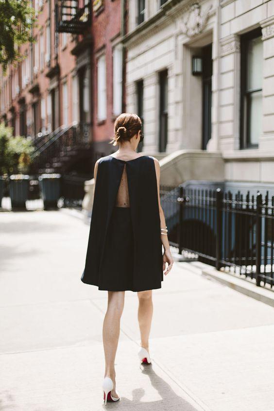 Öppen rygg båthals klänning