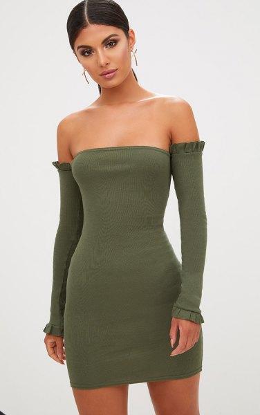 Olivgrön rörklänning med långa ärmar