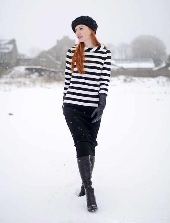 lång penna kjol med svarta handskar