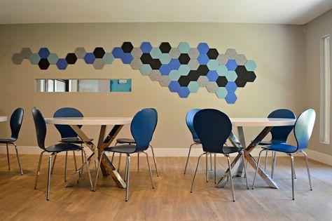 EchoPanel Geometry Hex Tiles Blå och grå färg kompletterar sittplatser.