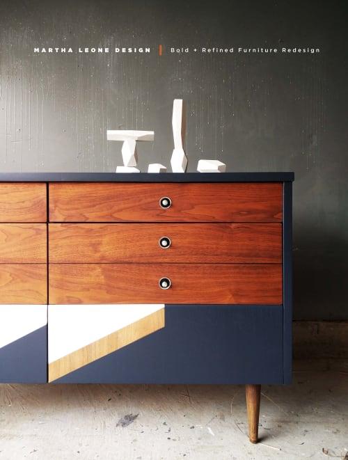 Bold Mid Century Dresser av Martha Leone Design sett på Private.