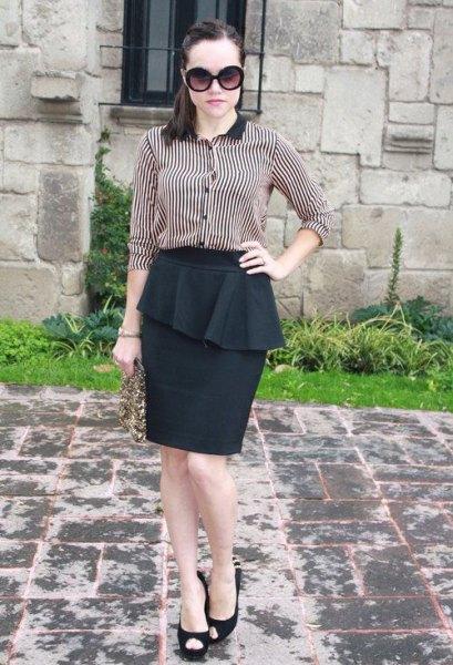 svart och vit randig skjorta peplum penna kjol