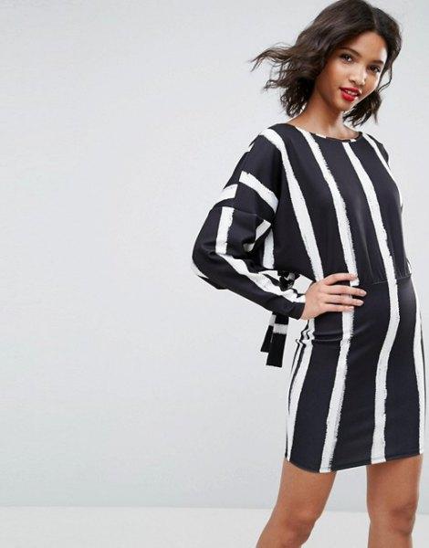 mörkblå och vit vertikal randig skiftklänning