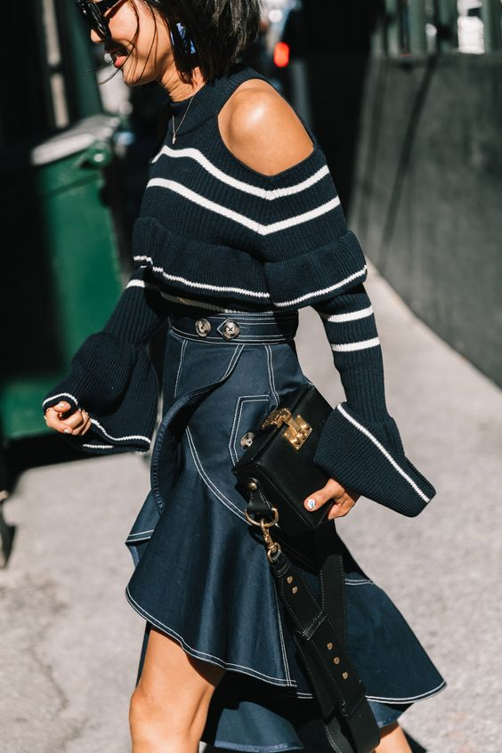 asymmetrisk kjol med kall axeltröja