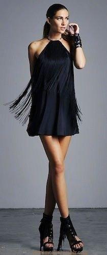 svart halterneck miniklänning