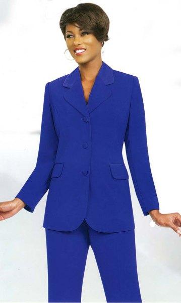 kungsblå kostym med hög krage och svarta klackar