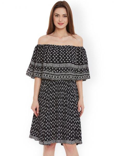 Svart och vit stam tryckt av axel knälång klänning