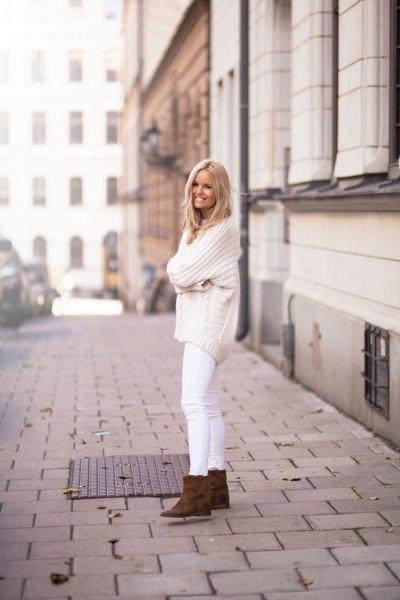 bekvämt stickmönster i vitare jeans