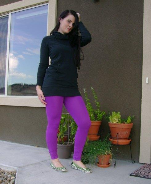 svart hoodie lila leggings