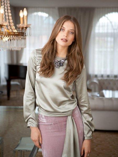 silver slipsblus med grå midi siden kjol