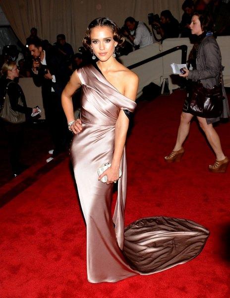 silver en axel-längd siden klänning
