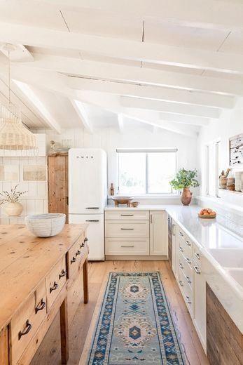 modernt stuga kök, rustik köksdesign, modern bondgård.